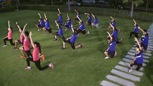 ข.ขยับ - ท่ายืดเหยียดกล้ามเนื้อที่จำเป็นสำหรับนักวิ่ง