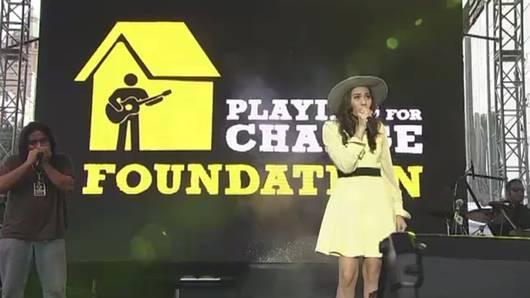 ดนตรีกวีศิลป์ - ภาพบรรยากาศคอนเสิร์ต Playing for change Day 2013