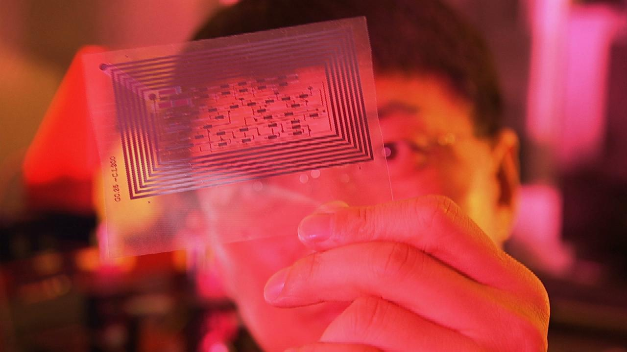 มิติโลกหลังเที่ยงคืน - นาโนเทคโนโลยี  ตอน  พัฒนาการของชีวิตมนุษย์