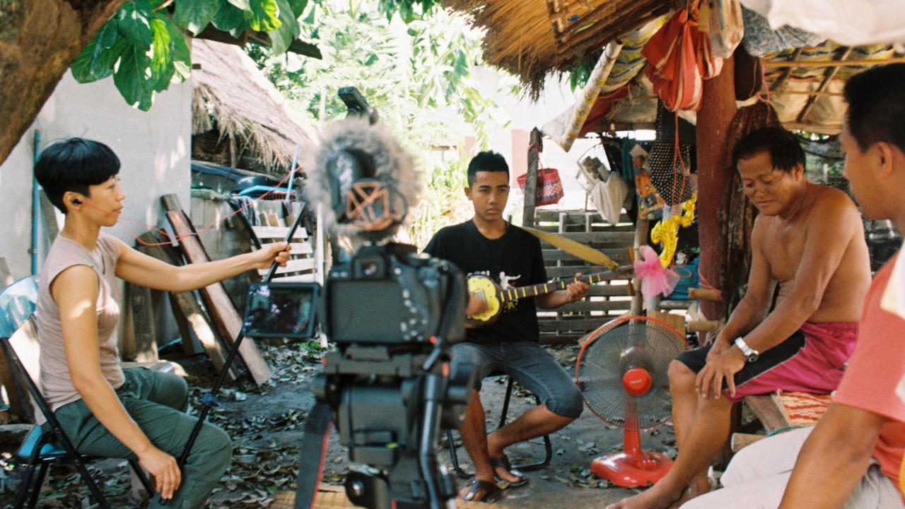 ศิลป์สโมสร - มองสังคมไทย ไปกับเสียงดนตรี