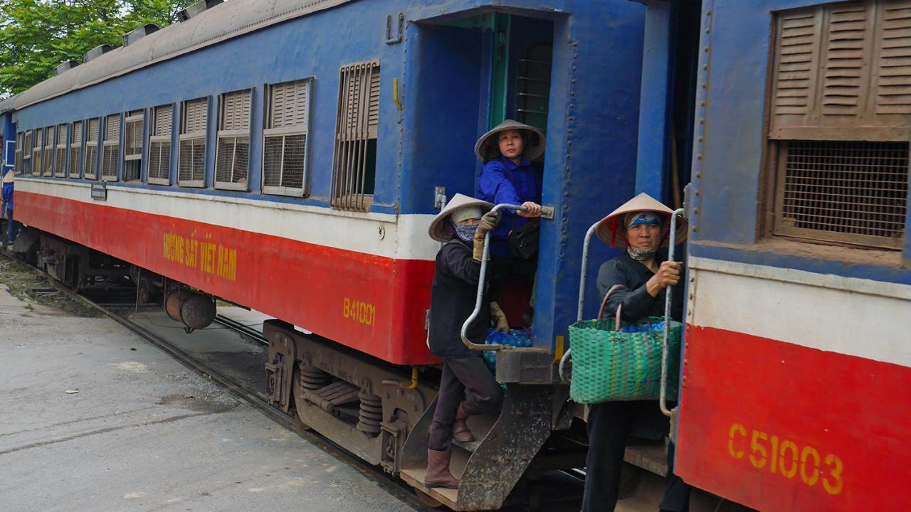 ท่องโลกกว้าง - ผจญภัยกับรถไฟสายอึด ตอน เวียดนามเส้นทางที่มาบรรจบกันอีกครั้ง
