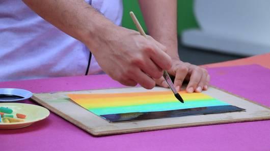 สอนศิลป์ - สีเทียนเขียนสวย