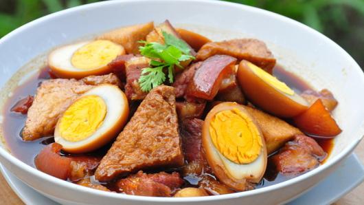 หม้อข้าวหม้อแกง - ไข่พะโล้