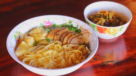กินอยู่...คือ - ตลาดจีนยูนนาน บ้านอรุโณทัย