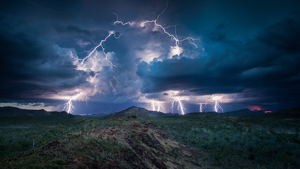 มิติโลกหลังเที่ยงคืน - ดินแดนแห่งมรสุม ตอน น้ำท่วมใหญ่