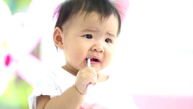 คนสู้โรค - พัฒนาการสมวัย เด็กไทยฟันดี, ผักชี ที่มีดีกว่าโรยหน้า
