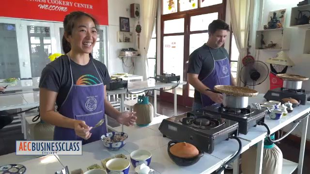 AEC Business Class  รู้ทันเออีซี - สอนทำอาหารบริการนักท่องเที่ยว , สะดวกซื้อญี่ปุ่นในเวียดนาม