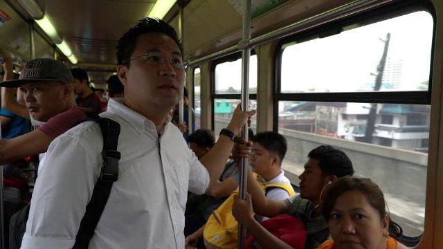 AEC Business Class  รู้ทันเออีซี - ตู้โชว์แห่งมะนิลา, ระบบรถไฟฟ้าในมะนิลา