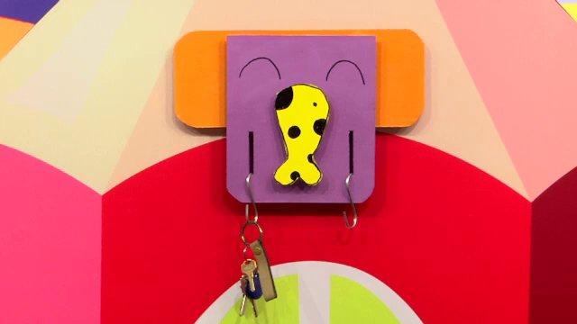 สอนศิลป์ - ช้างน้อยแขวนของ