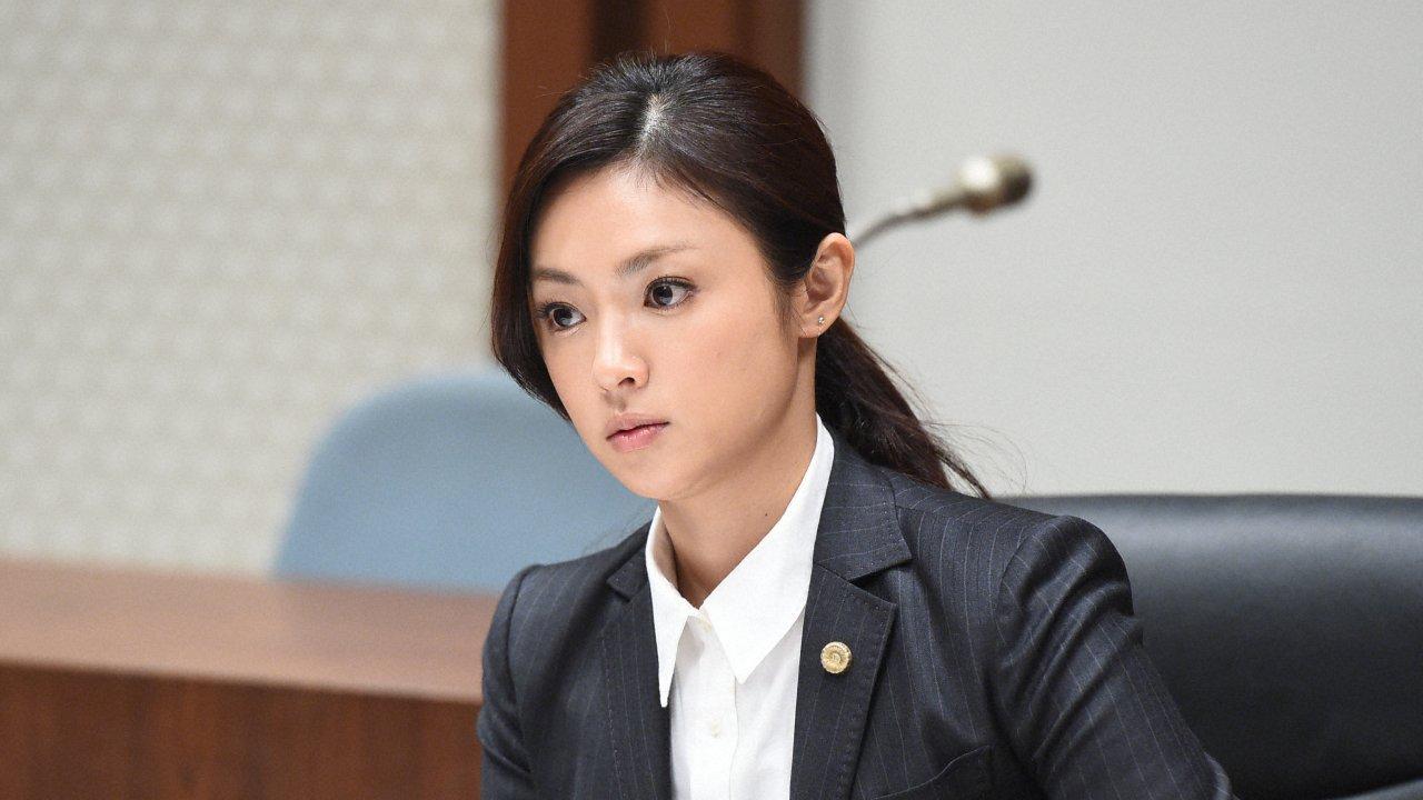 ซีรีส์ญี่ปุ่น ทนายสาวหัวใจแกร่ง - Girls in the Bar : ตอนที่ 9
