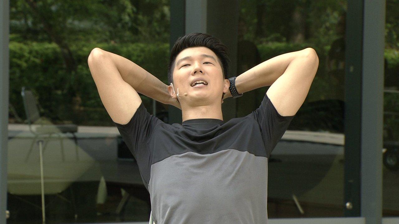 ข.ขยับ - บริหารร่างกายแก้อาการหลังค่อมขณะทำงาน