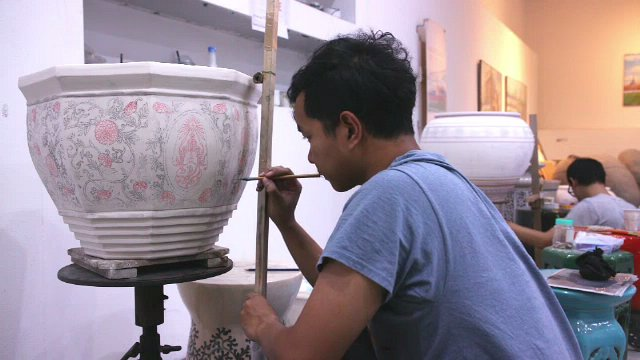 สารคดีสั้น แสงจากพ่อ สู่ความยั่งยืน - กระถางเซรามิคศิลปกรรมประกอบพระเมรุมาศ