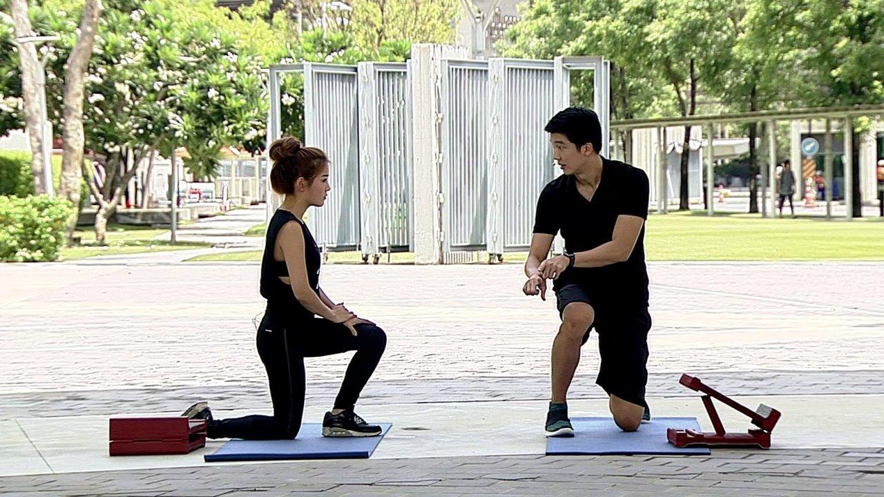 ข.ขยับ X - ทดสอบความยืดหยุ่นของข้อเท้า เพื่อป้องกันและบรรเทาอาหารปวดเข่า