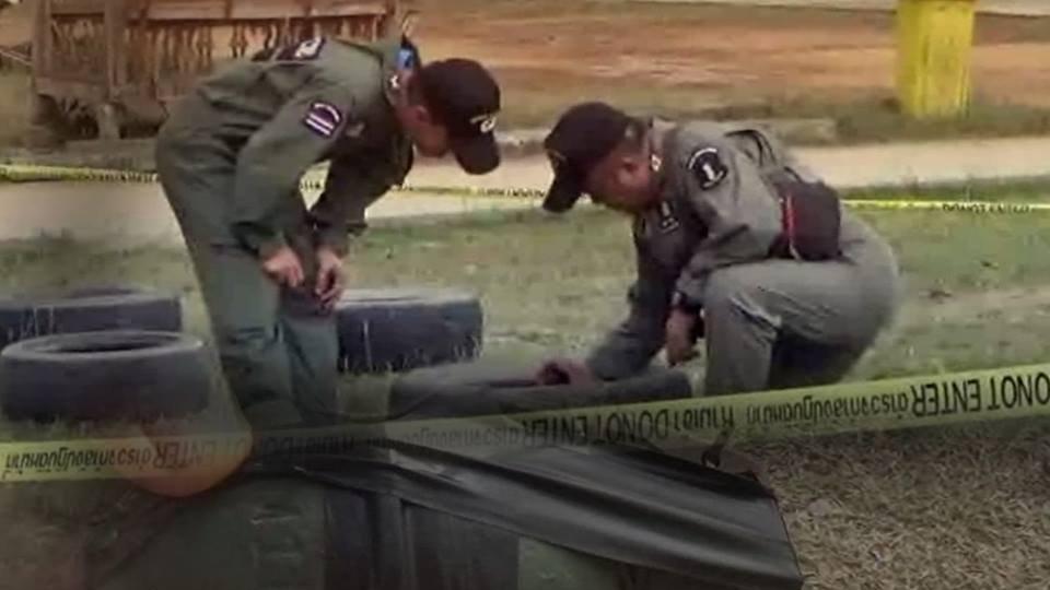 ร้องทุก(ข์) ลงป้ายนี้ - ชาวบ้านพบระเบิดในถังขยะเก็บมาเล่นหวิดระเบิด อ.เมือง จ.แพร่