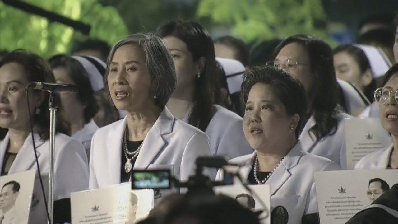 """ที่นี่ Thai PBS - การแสดงแสงสี สื่อผสม """"ศิระกรานพระภูบาลนวมินทร์"""" รพ.ศิริราช"""