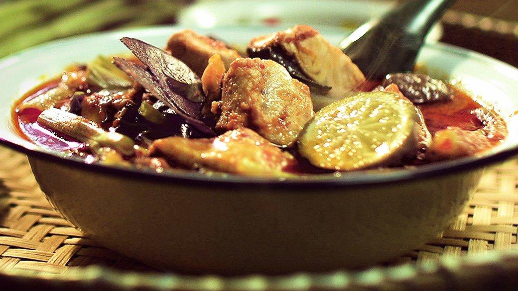 หอมกลิ่นสยาม - แกงปลาเทโพ สูตรปรุงตามตำราแม่ครัวหัวป่าก์