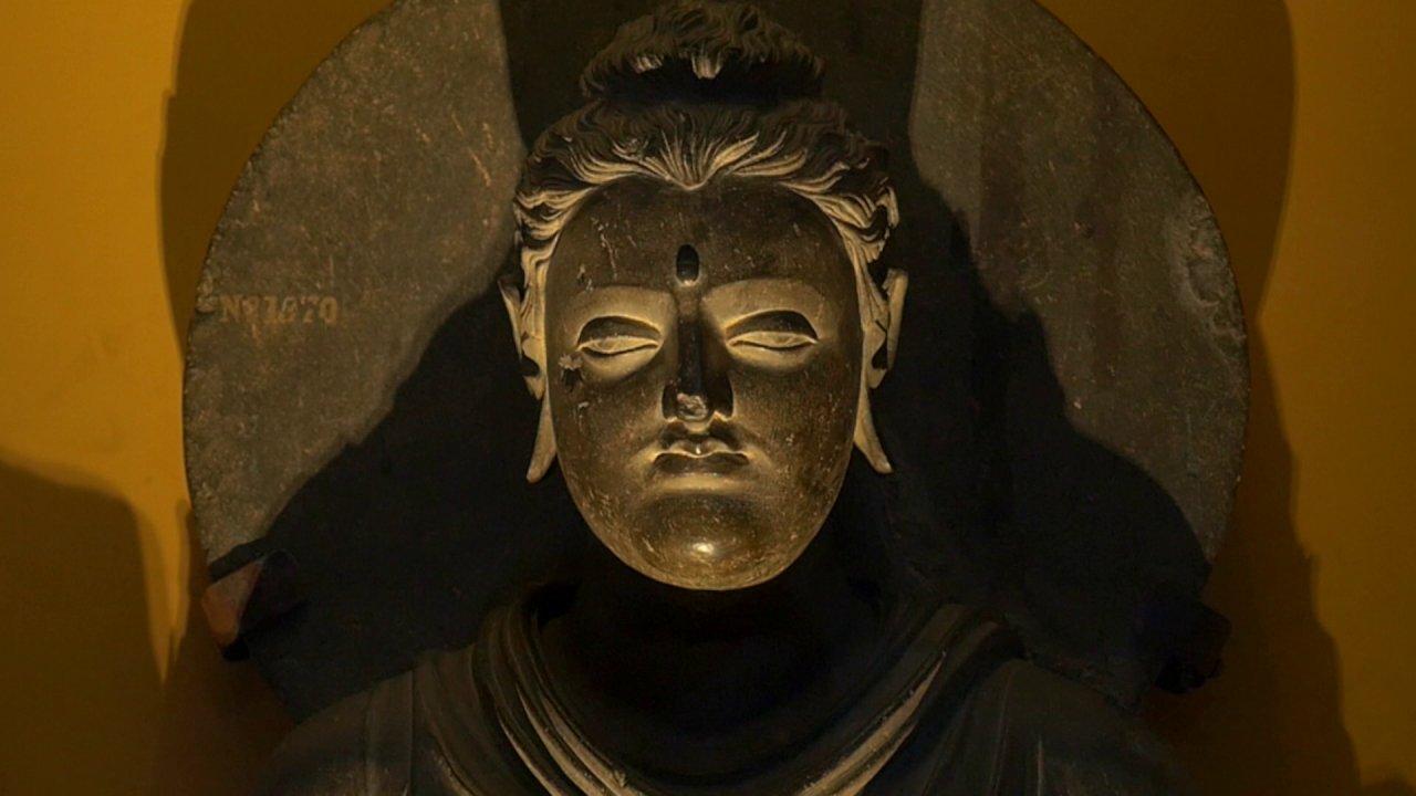 ตามรอยพระพุทธเจ้า 2 : ไตรปิฎก คำสอนมีชีวิต - พระพุทธรูปยุคแรกในศิลปะคันธาระ