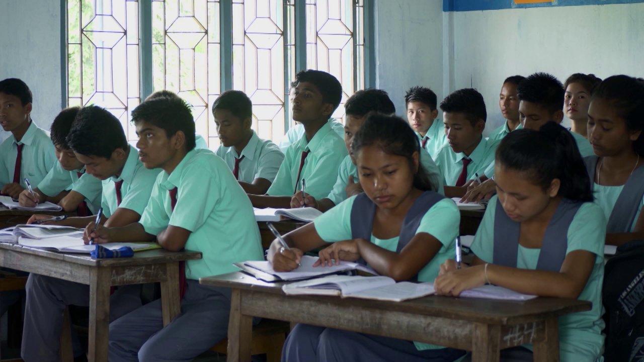 ตามรอยพระพุทธเจ้า 2 : ไตรปิฎก คำสอนมีชีวิต - โรงเรียนมหาโพธิ์ ไดยุน